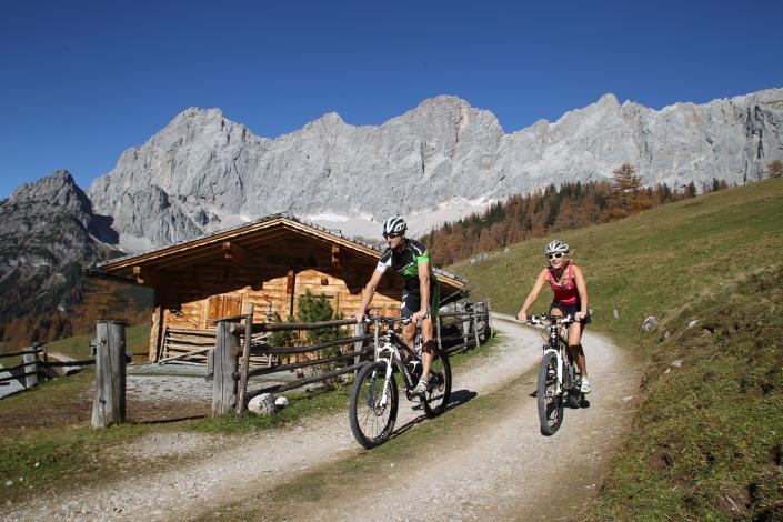 Mountainbike & E-Bike Wege entlang der Dachstein Südwände