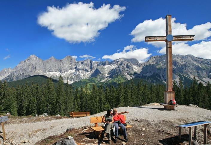 Aussichtspunkt und Wanderziel Rittisberg Gipfelkreuz - Pension Alpina