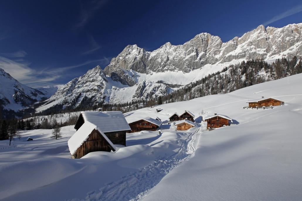 Winterlandschaft Neustattalmen-Dachsteinpanorama