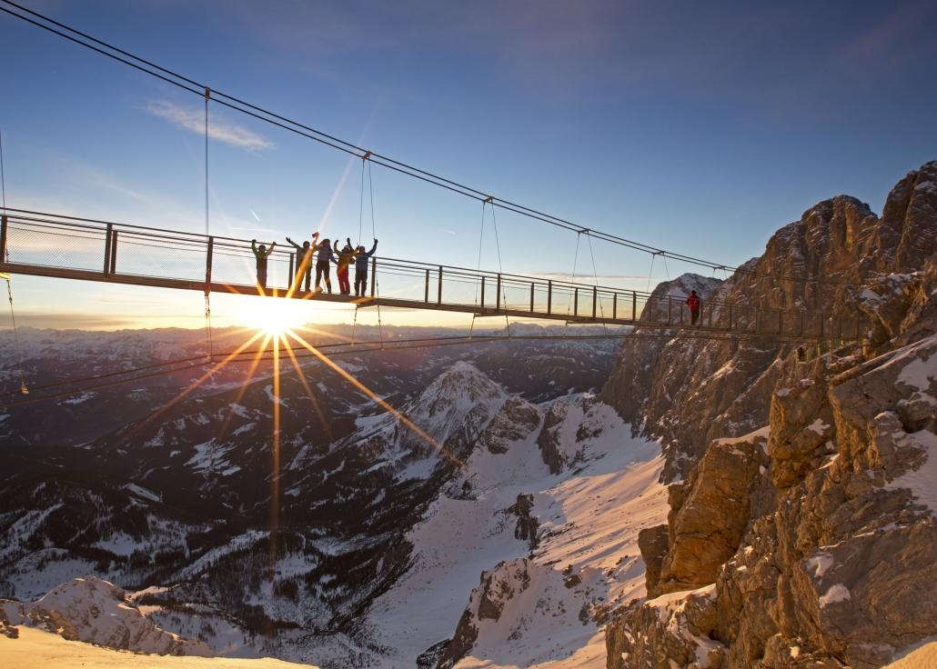 Dachstein Hängebrücke mit der Treppe ins Nichts