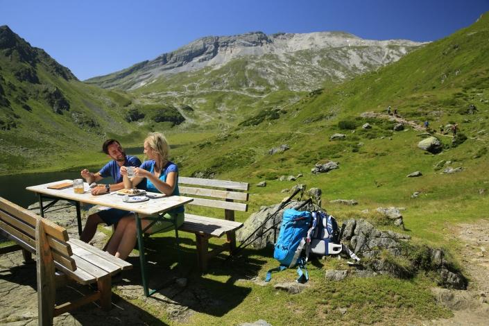 Genuss Wandern mit zahlreichen Hütten und Einkehrmöglichkeiten